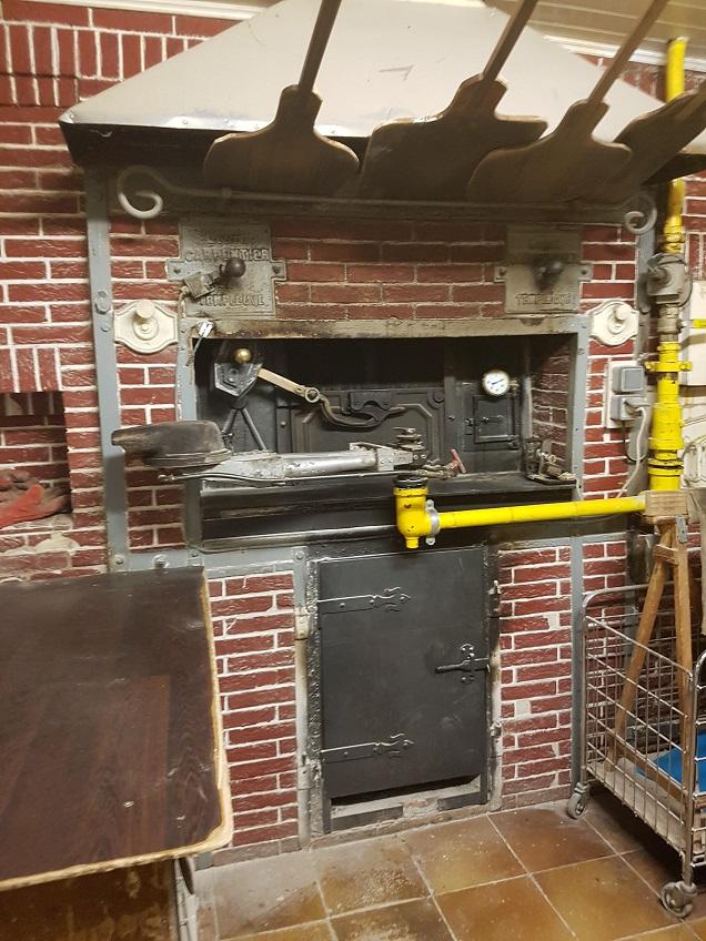 four-de-boulangerie-maçonné-plus-de-60-ans-à-chauffage-direct-par-brûleur-gaz Annonces